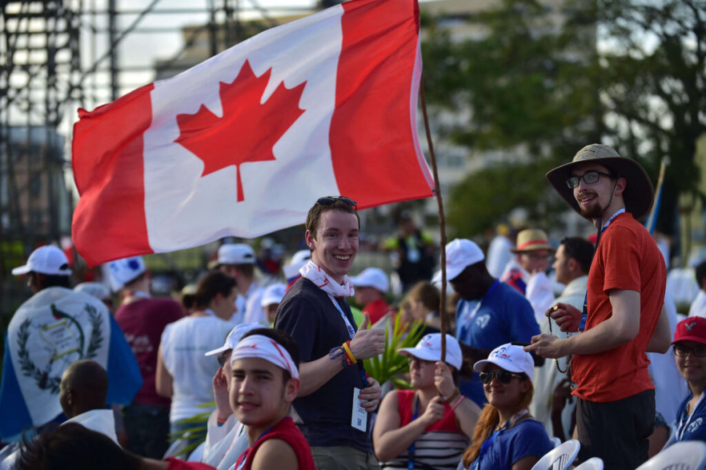 Canada continues to hold Express Entry draws to meet its Immigration Levels Plan goals, creating more opportunities for graduates who want to work abroad. Source: Johan Ordonez/AFP